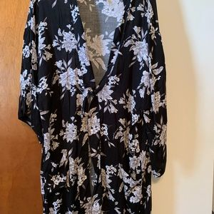 Women's floral belted robe/coverup